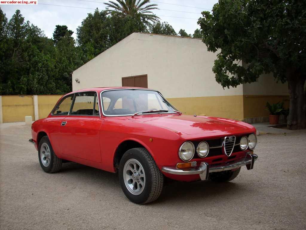 Alfa Romeo GT Bertone del 75 - Venta de Vehículos y Coches Clásicos